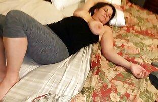 فیلم برداری کانال تلگرام فیلم سکی در خانه در مقابل دوربین چگونه او یک زن با الاستیک مجسمه نیم تنه