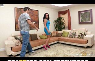 یک کانال سکسس تلگرام مرد نوجوان جلب دوست دختر خود را با یک همسایه