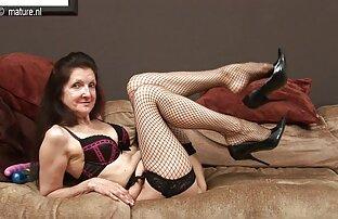 سبزه شیرین کانال تلگرام سکس وحشی آماده برای شوخی های جالب در رختخواب است